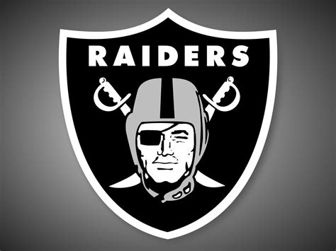 10 oakland raiders photo