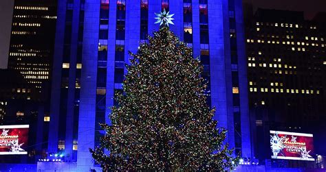 tree lighting 2016 in rockefeller center tree lighting 2016