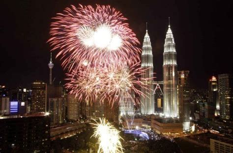 visiting kl during new year best places to new years 2017 fireworks in asia
