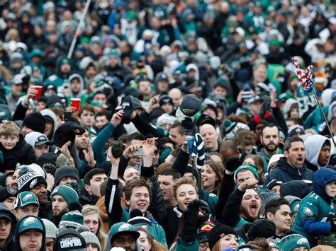 new year parade philadelphia 2018 eagles fans celebrate 1st bowl win with