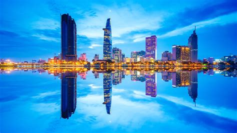 viet nam or vietnam top 11 reasons why to invest in vietnam emerhub