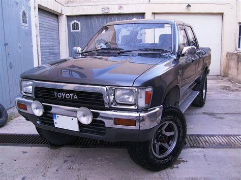 1990s Toyota 1990 Toyota Hilux Overview Cargurus