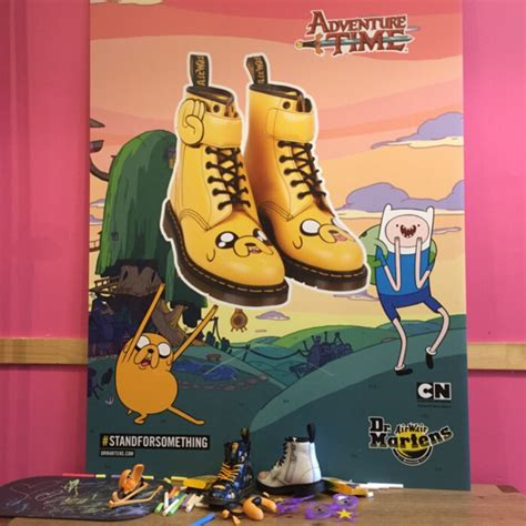 Limited Edition Tas Pinggang Travel Adventure dr martens x adventure times limited edition boots