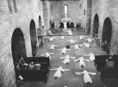 churches in salem or