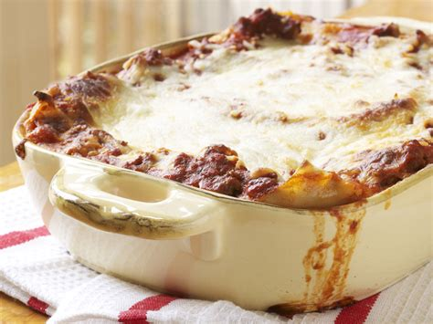 Lasagna Beef Size Family easy lasagna recipe myrecipes