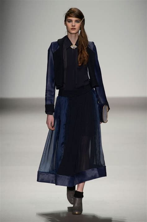 Fashion Week Fall 2007 Bora Aksu by Bora Aksu Fall 2015 Runway Pictures Livingly
