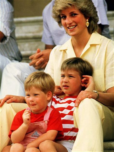 princess diana sons princess diana with her two sons prince william