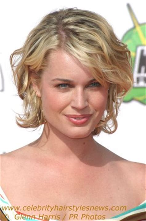 carefree hairstyles for 50 rebecca romijn with a carefree short hairstyle