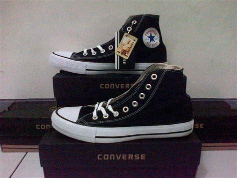 Sepatu Converse All High Pria Wanita Grade Orie 4 Varian Warna 1 jual sepatu converse all high box kq 5