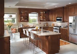 Kitchen Island With Cabinets And Seating Kitchen Cabinet Design From Homecrest Cabinetry Includes An Eat In Breakfast Nook Plus Kitchen