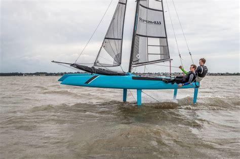 catamaran sailing courses uk windsport catamaran coaching experts in cat race training