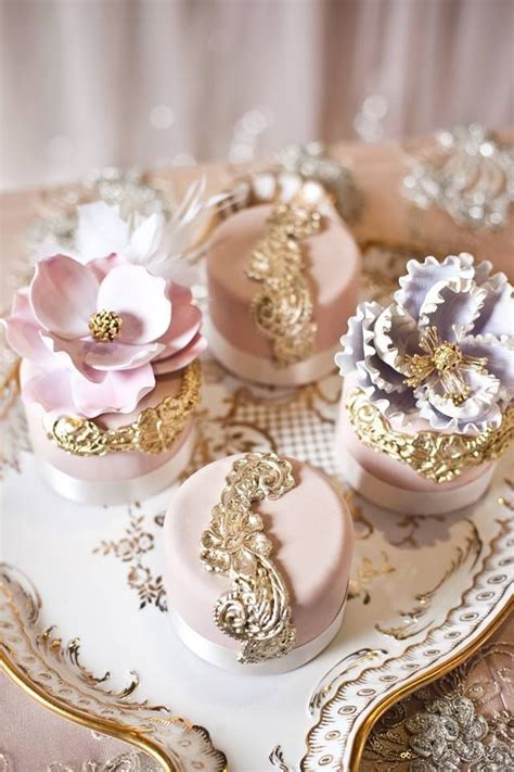 extravagant baby shower cakes 1000 ideas about extravagant wedding cakes on