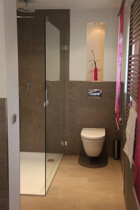 raumsparende badezimmer ideen g 228 ste wc mit dusche ideen
