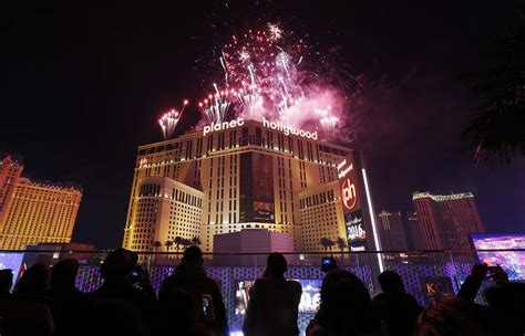 new year 2016 las vegas events fireworks light up already well lit las vegas the