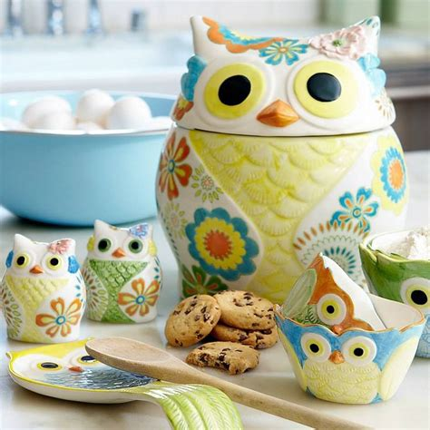 owl canisters for the kitchen 2018 best 25 owl kitchen decor ideas on owl kitchen owl decorations and owl home decor