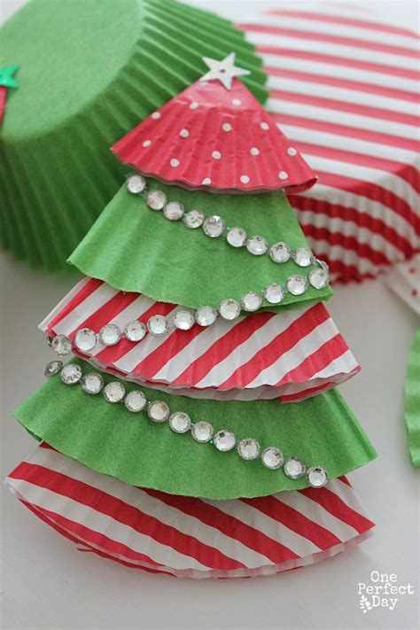 cupcake christmas tree decirations 25 terrific tree crafts