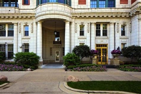 The House Chicago by Oprah Winfrey Sells Streeterville Home Nbc Chicago