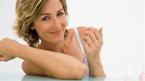 wann wechseljahre frau wechseljahre l 228 sst sich die menopause hinausz 246 gern