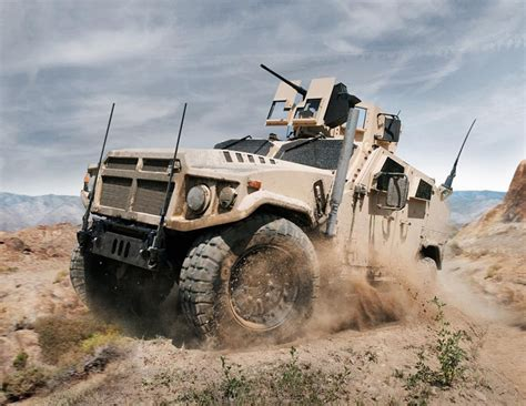 Hummer Husky Army the 21st century jeep jltv race hits stretch