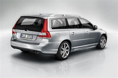 volvo v70 d3 volvo v70 d3 review car review rac drive