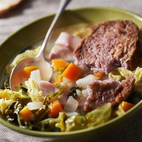 chou cuisine soupe au chou vert facile et pas cher recette sur