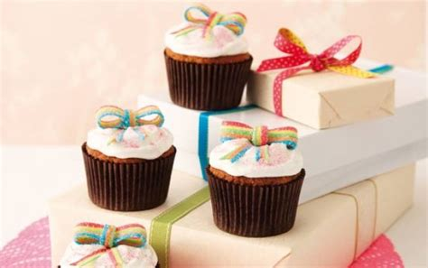 How To Decorate Cakes At Home by Birthday Present Cupcakes Recipe Goodtoknow