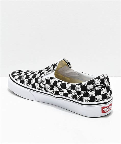 Sepatu Vans Slip On Snoopy vans x peanuts slip on snoopy checkered skate shoes zumiez