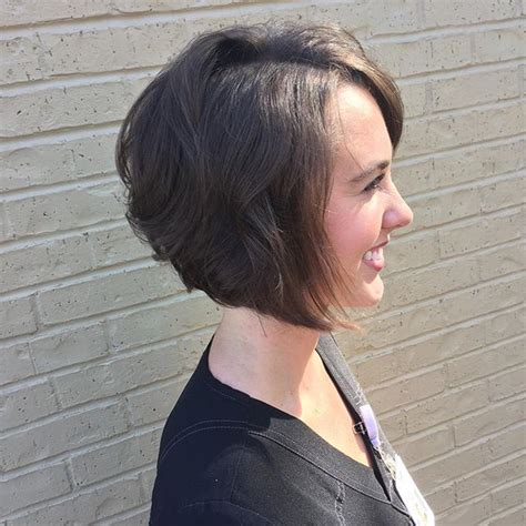 short angled bobs that can be wore straight or curly 22 popular angled bob haircuts you ll want to copy