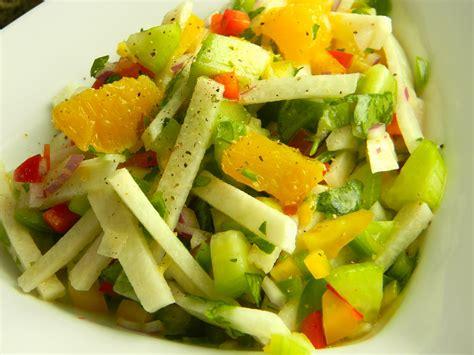 Main Dishes In Mexico - jicama salad