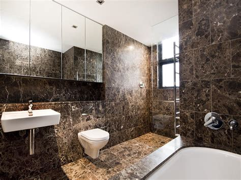 modern bathroom design with recessed bath using granite