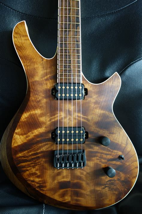 Handmade Basses - a k m guitarworks made electric guitars basses