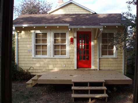 tiny house 500 sq ft vintage bungalow style cottage