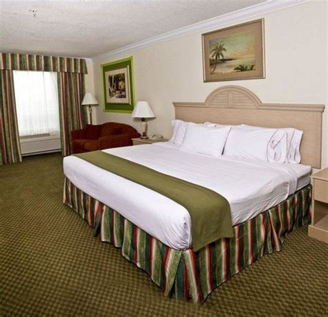 holiday inn express bedding comfortable bedding awaits at holiday inn express