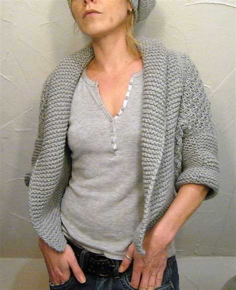 free knitting patterns for shrugs and wraps 79 best knitting shawls ponchos capes and shrugs images