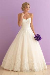 popular wedding dresses the 25 most popular wedding gowns of 2015 bridalguide
