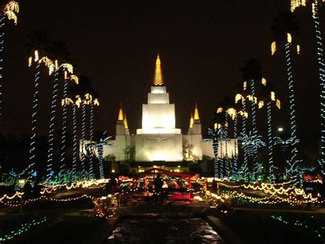 The Lindsay Chronicles Oakland Temple Christmas Lights Oakland Temple Lights