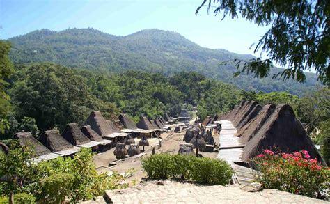 kampung bena destinasi wisata budaya  nusa tenggara