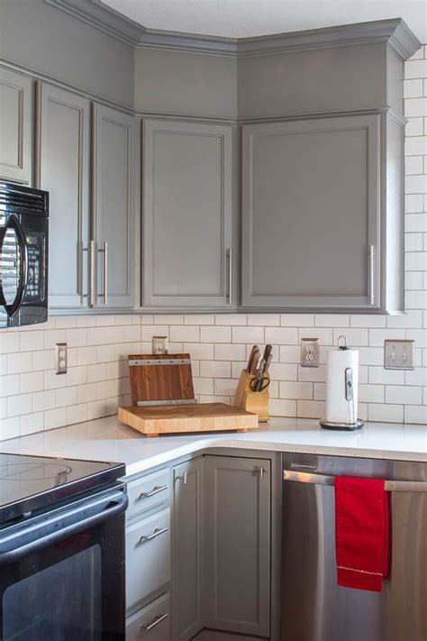 Contractor Grade Kitchen Cabinets by The 25 Best Ideas About Builder Grade Kitchen On