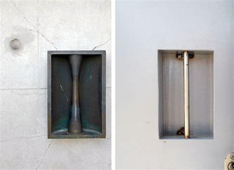 tirador puerta entrada izda tirador de la puerta de entrada a la iglesia de