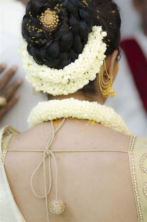 Indian Wedding Hairstyles With Flowers by 12 Indian Wedding Hairstyles For