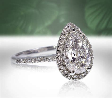 engagement ring trends       shefinds