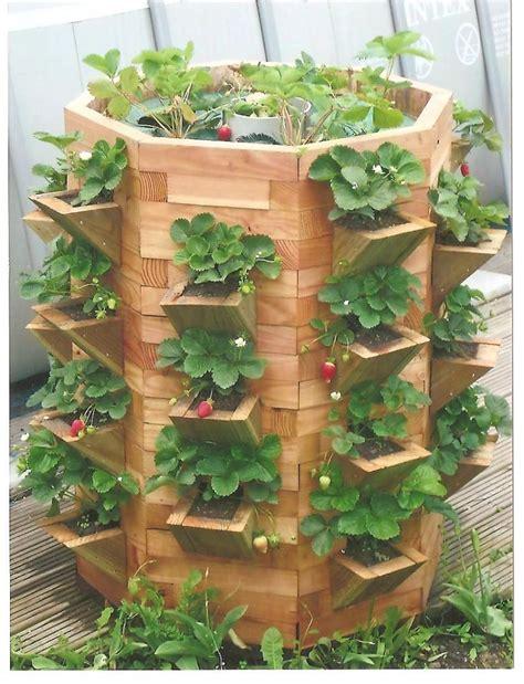 Lovely Construire Table De Jardin Avec Palette #13: Tour-a-fraisiers.jpg
