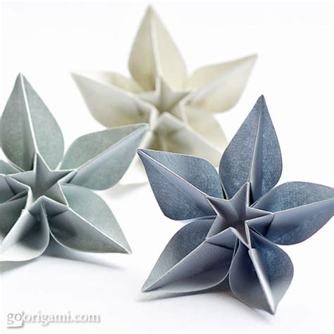 Amazing Origami Flowers - 15 pretty flower crafts for of every age origami