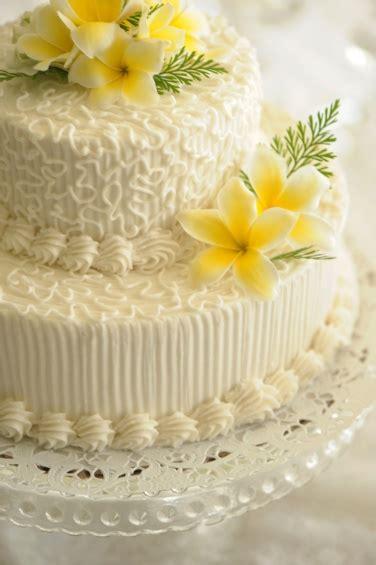 Wedding Cake Oahu by Oahu Weddings Waimanalo Cottages Getting Married
