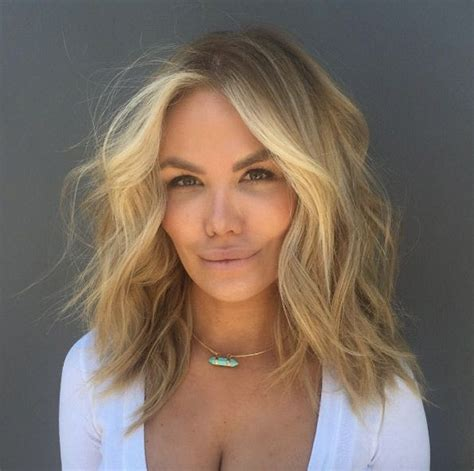 medium length hair face framing the 25 best face framing layers ideas on pinterest