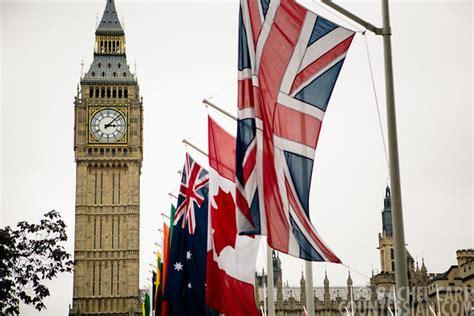 Londan Big Ben Multifunction Wardrobe Lemari Pakaian big ben amazing britain image 676890 on favim