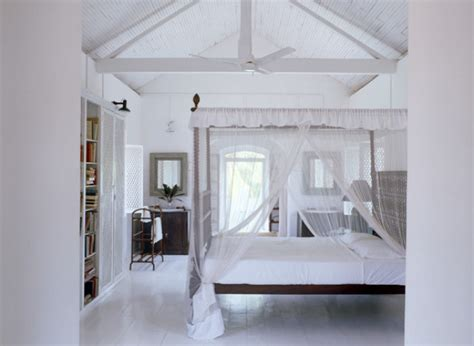 bed post tumblr 9 reasons why four poster beds aren t just for bed and