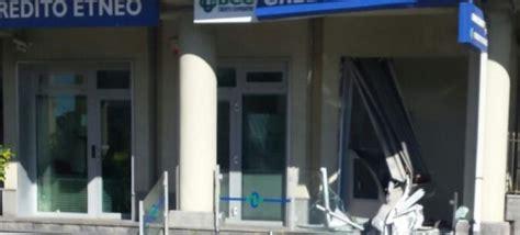 banche a catania catania rubavano le casseforti delle banche con l 180 escavatore