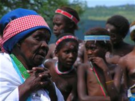 Tradisionele Xhosa Hutte by Xhosa Culture On Vans Nelson Mandela And Capes