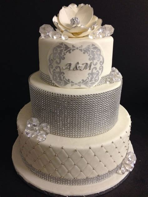 Elegant Wedding Cakes With Crystals